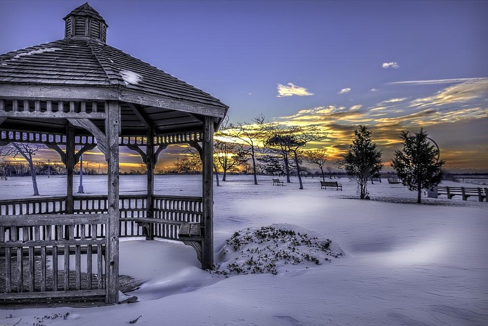 Altán pod sněhem