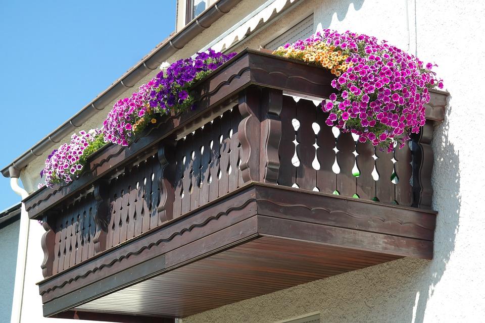 balkon ze dřeva