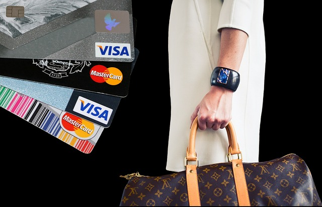nakupování s kreditní kartou.jpg