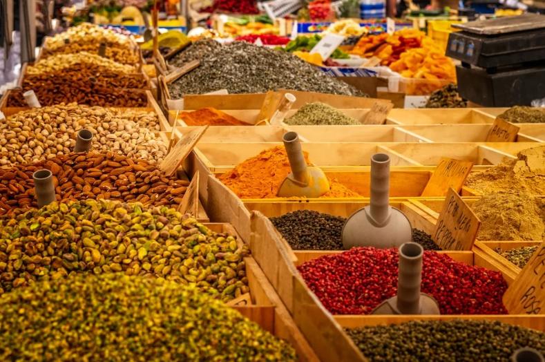 potraviny v tržnici